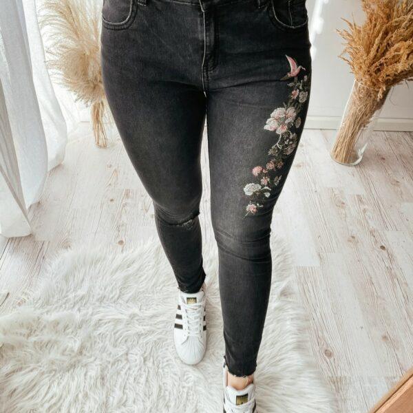 Spodnie damskie używane